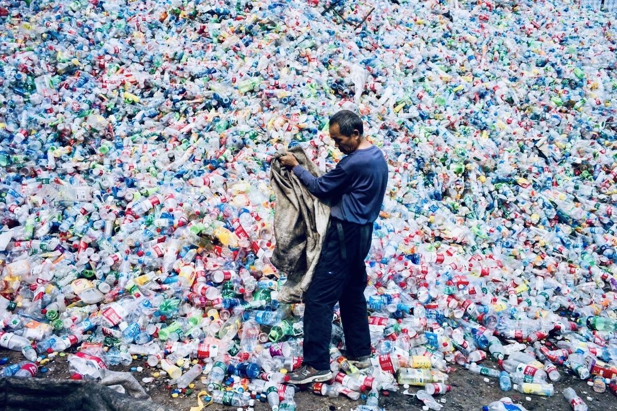 У Китаї заборонили пластик з 2020 року